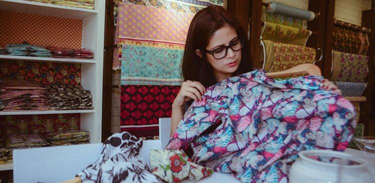 Sapphire lawn Amna Niazi